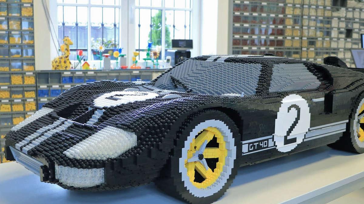 Ford GT aus 40.000 Legosteinen beim 24 Stunden-Rennen von Le Mans | Auto