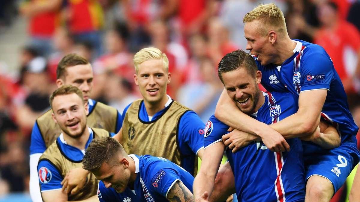 Briefe Nach England Schicken : Em furchtlose isländer wollen eigene idole aus