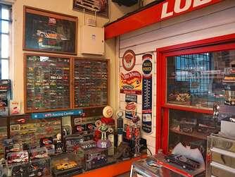 Hot Weels Garage : Mr hot wheels chefdesigner larry wood zeigt uns seine garage auto