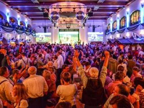 Kultparty im Wiesnzelt: So läuft der Wiesn-Warm-Up