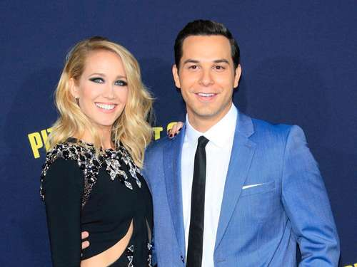"""Pitch Perfect""-Stars Camp und Astin haben geheiratet"