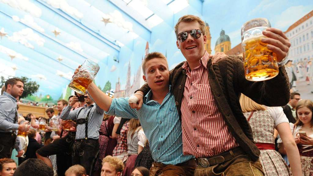 Oktoberfest 2016 Zelt Wiesn Hit