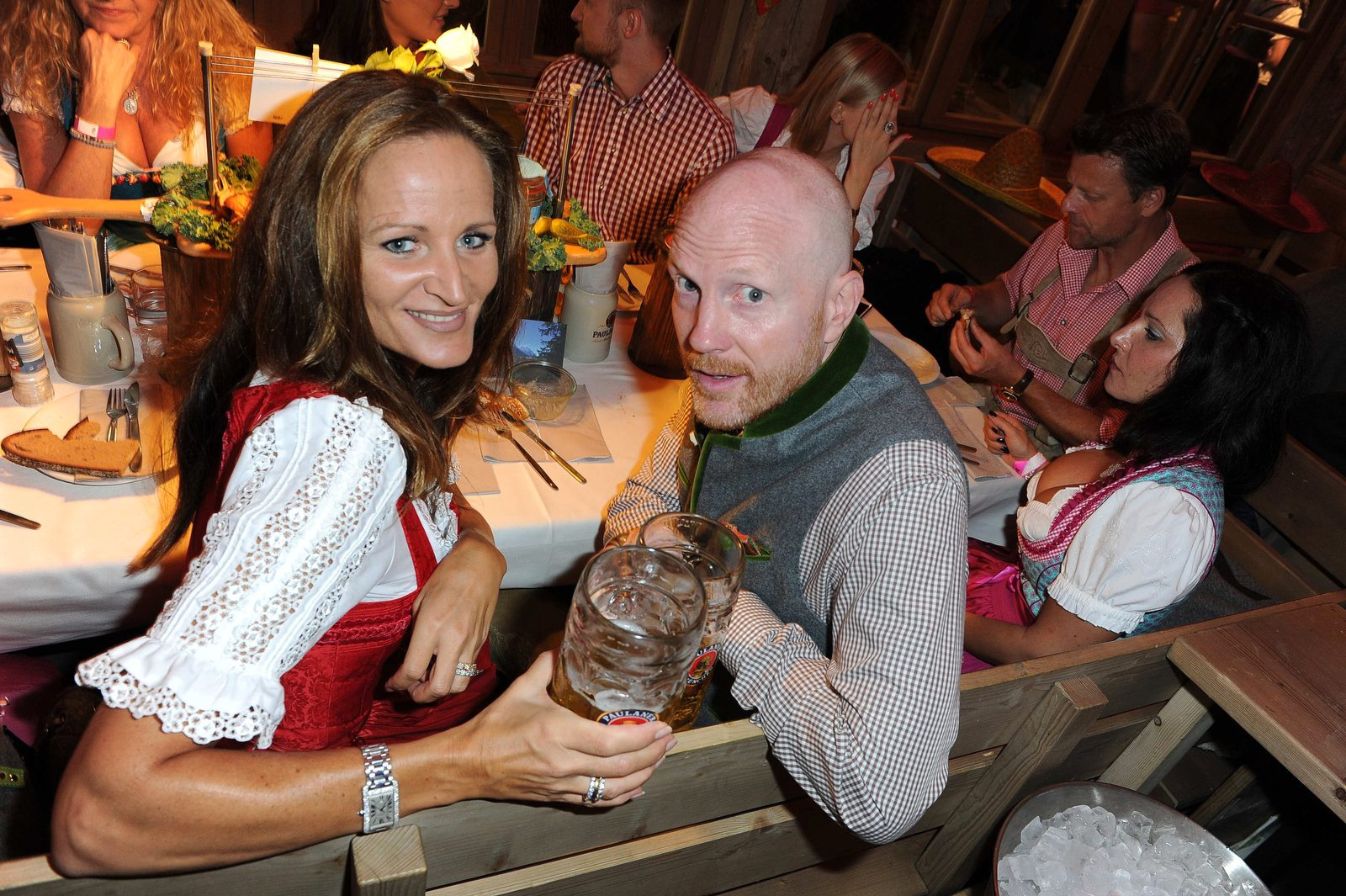 Oktoberfest 2016: Wer im Käfer-Zelt feiert, darf sich was darauf ...