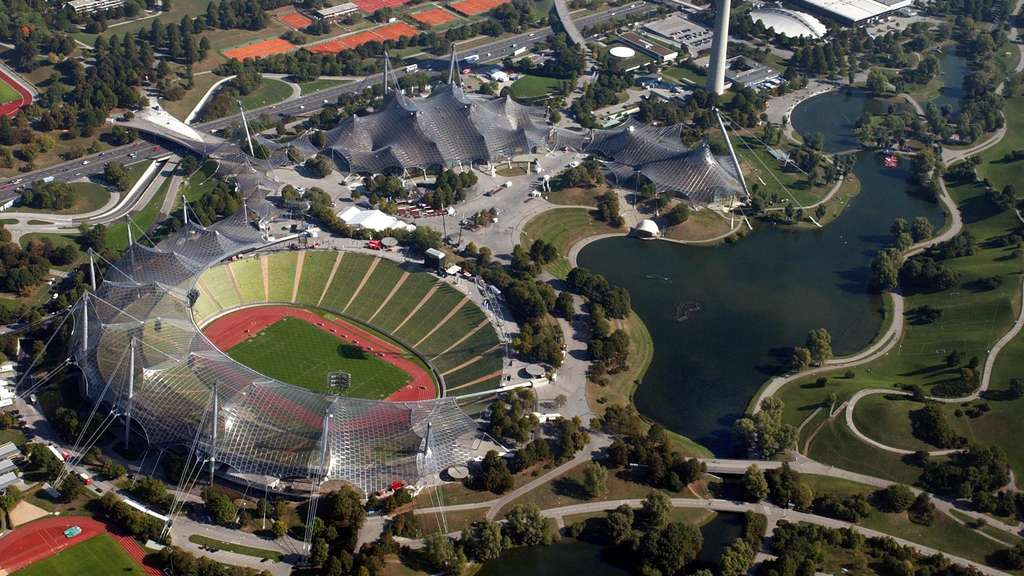 Olympiastadion in m nchen erh lt wieder rasen schwabing west for Tz stellenanzeigen munchen