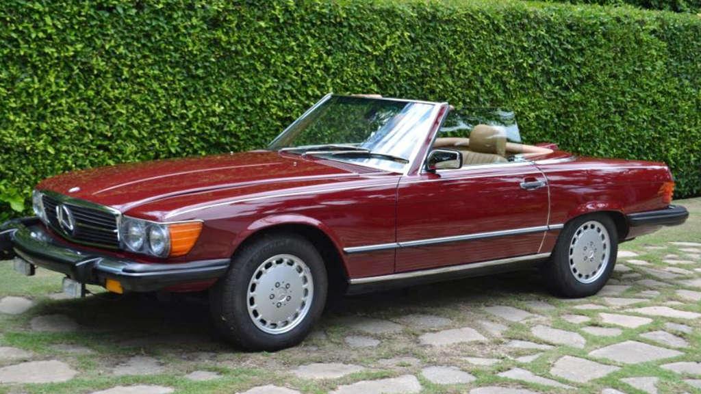 trump mercedes benz 560 sl (baujahr 1987) wird von autohändler
