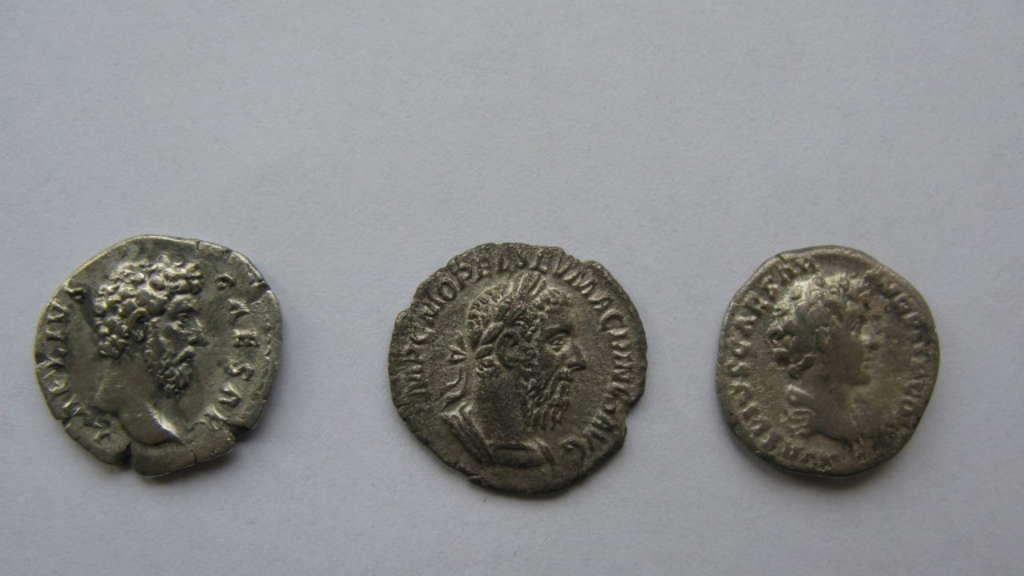 Antike Münzen Und Speerspitzen Polizei Nimmt Kunstschmuggler Fest