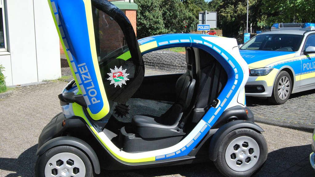 renault twizy polizei wuppertal testet elektro auto auto. Black Bedroom Furniture Sets. Home Design Ideas