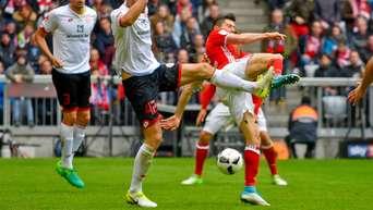 Wegen dieser Szene: Lewandowski-Berater ätzt schon wieder gegen Schiri