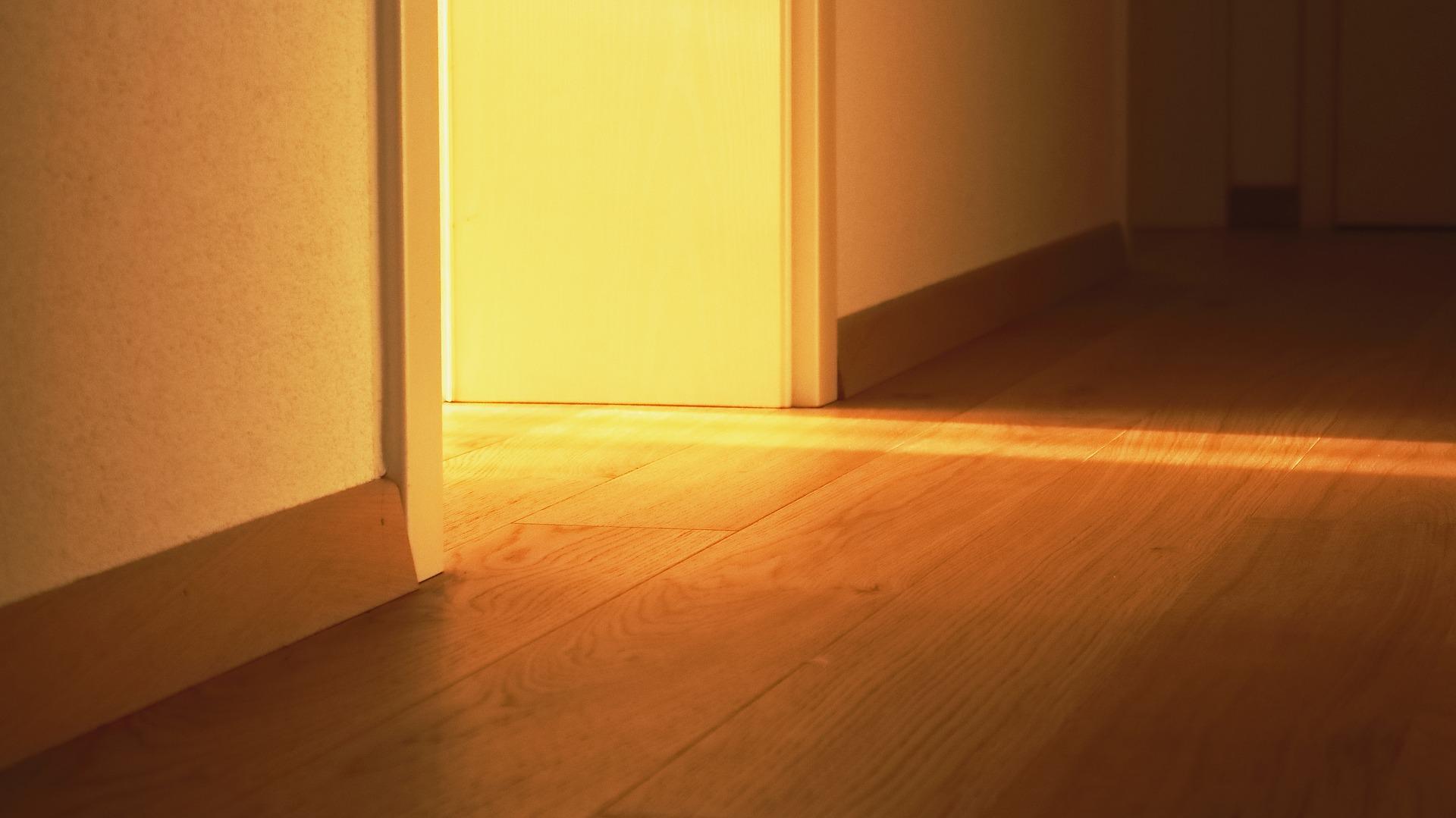 sp lkasten entkalken so funktioniert die toilette wieder tadellos wohnen. Black Bedroom Furniture Sets. Home Design Ideas