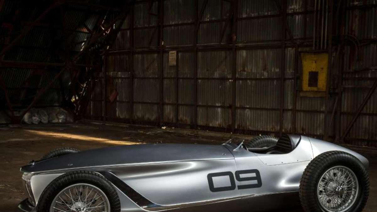 Retro Renner Mit E Motor Infiniti Prototype 9 Auto