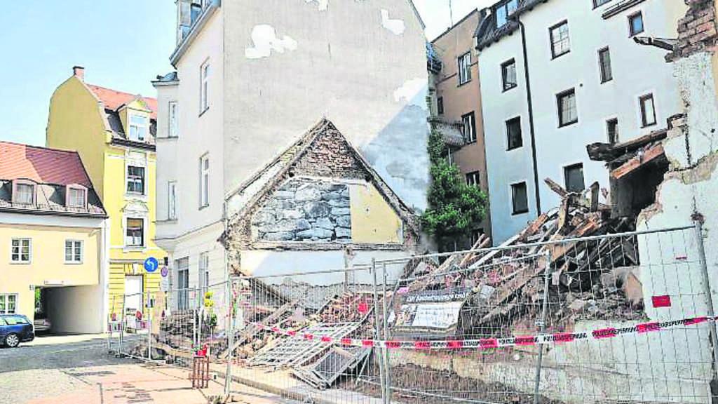 Super Nach unerlaubtem Abriss: Wird das Häuserl wieder aufgebaut RJ62