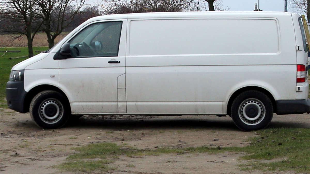 Weißer Transporter