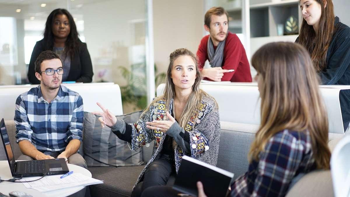 Kommunikation im Job: Diese vier Skills sollte jeder beherrschen | Karriere