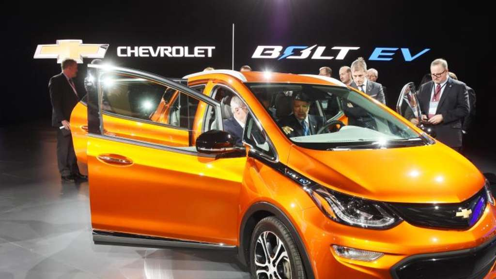 Chevrolet Bolt Bei der North American International Auto Show in Detroit. Bisher waren rund 100 umgebaute Bolts unter anderem in San Francisco unterwegs. Foto: Uli Deck