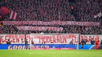Ultras Vom Fc Bayern München Attackieren Rb Leipzig Mit