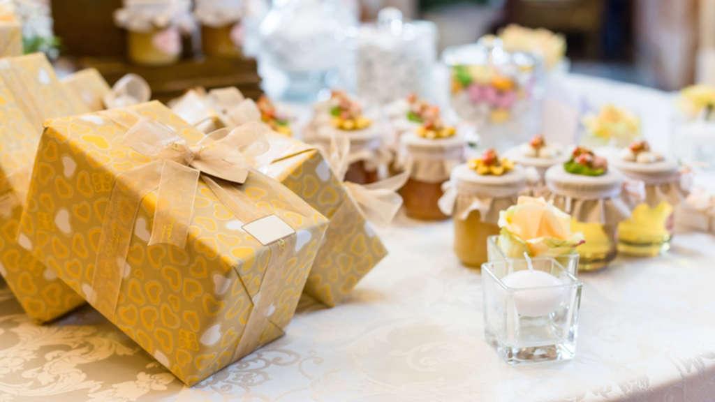 Das Ideale Hochzeitsgeschenk So Begeistern Sie Das Brautpaar Leben