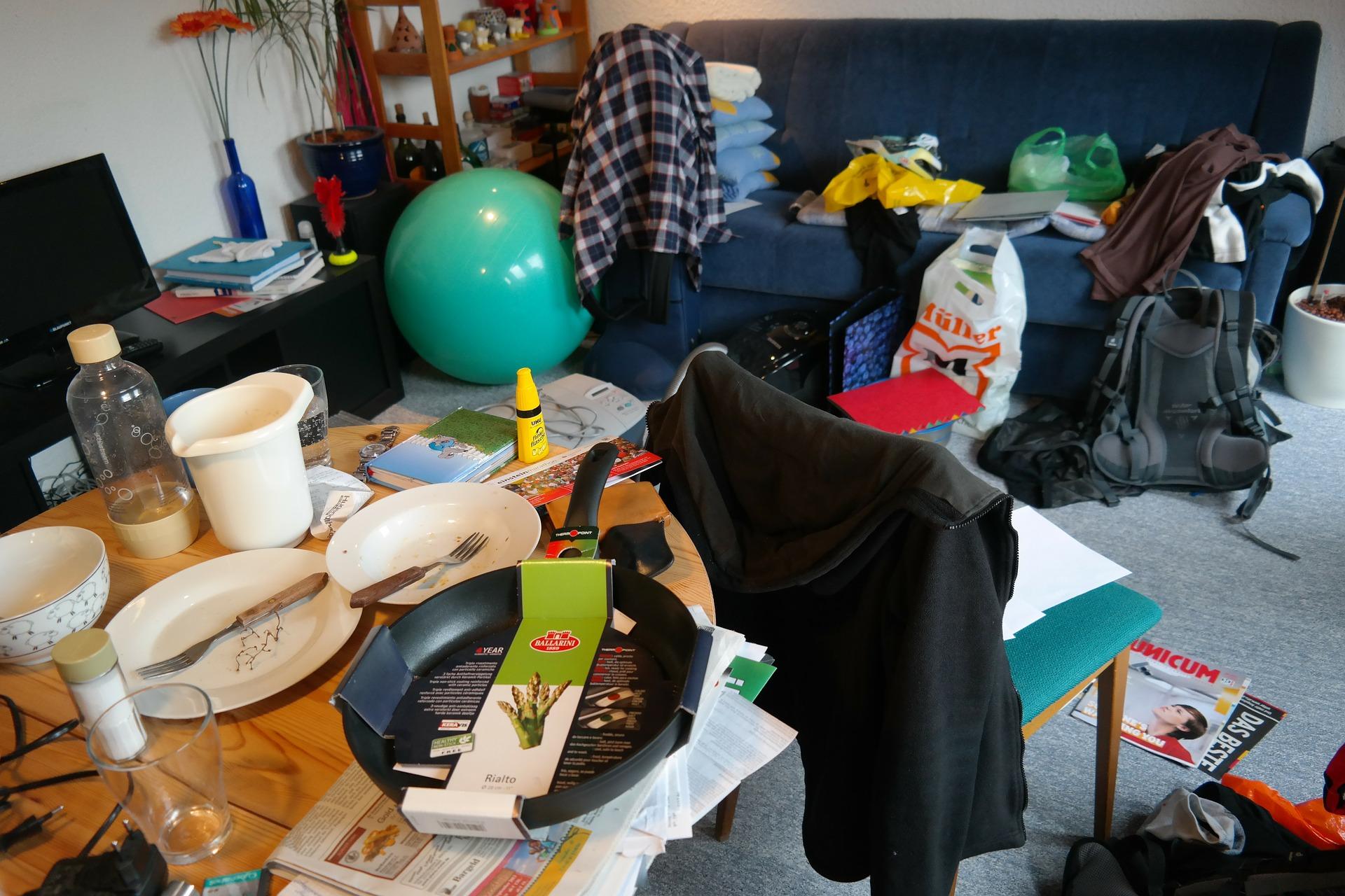 was eine studentin aus ihrem kargen wohnheimzimmer zaubert macht sprachlos wohnen. Black Bedroom Furniture Sets. Home Design Ideas