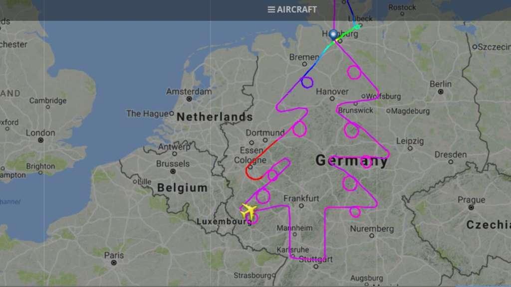 Fc Bayern Tannenbaum.Darum Fliegt Ein A380 Einen Tannenbaum über Deutschland Welt