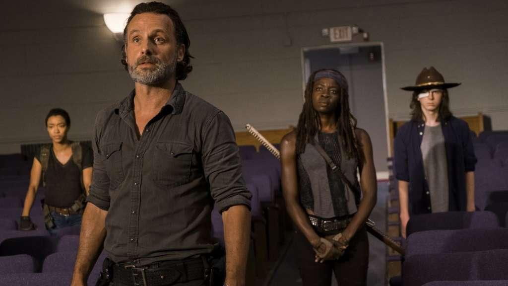 Pause Bei The Walking Dead Stirbt Carl Grimes Im Mid Season Finale