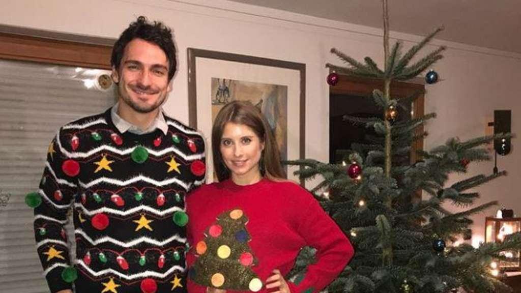 Fc Bayern Wünscht Frohe Weihnachten.Bilder So Haben Die Stars Des Fc Bayern Weihnachten 2017 Gefeiert