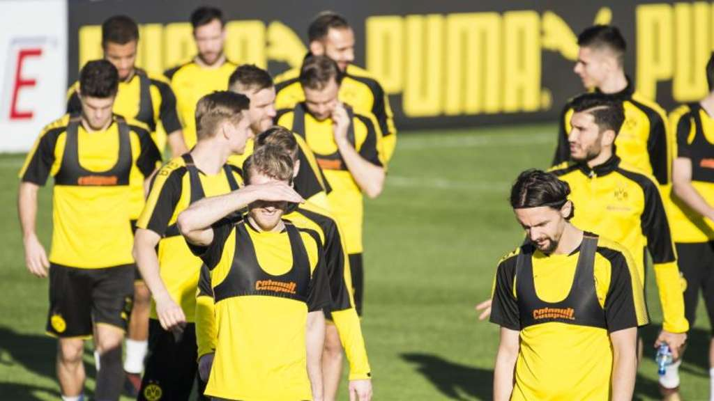 Die BVB-Spieler beim Training in Marbella. Foto: David Inderlied