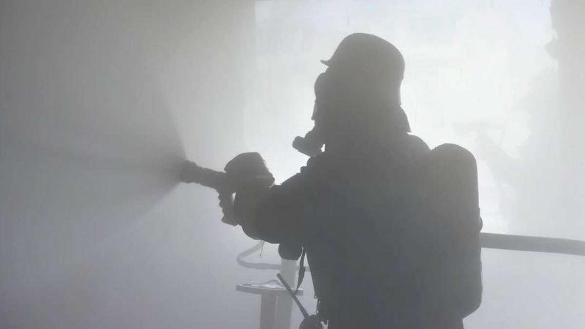 bogenhausen zimmerbrand sofa in flammen feuerwehr muss wohnungst r aufbrechen bogenhausen On wohnungstür aufbrechen