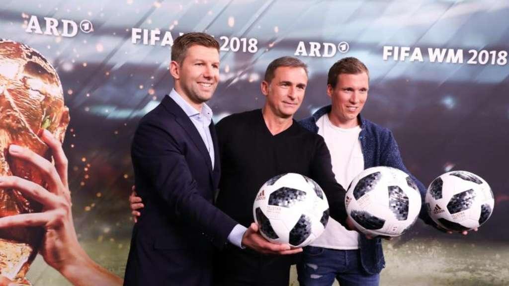 Ard Und Zdf Haben Zur Fussball Wm Lahm Kahn Co Im Einsatz