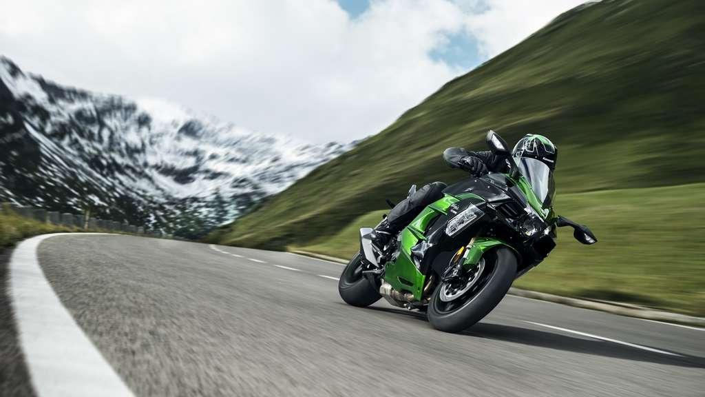 Mit Kompressor Auf Tour Kawasaki Ninja H2 SX Special Edition