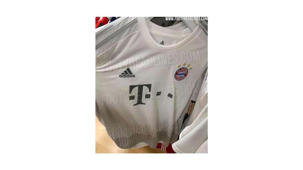 the best attitude 62a70 1243c FC Bayern: Neues Auswärtstrikot? Erste Fotos aufgetaucht ...