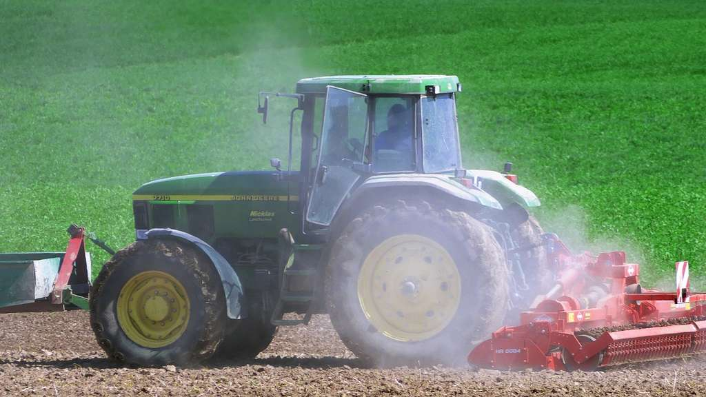 Seeshaupt Auto Kollidiert Mit Traktor Region