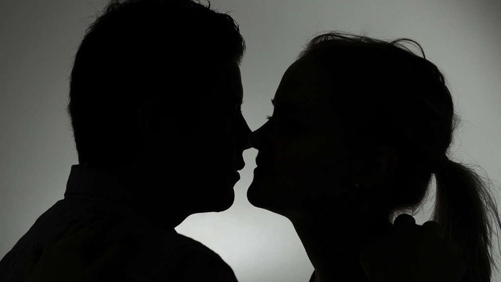 Ehemann betrügt Online-Dating