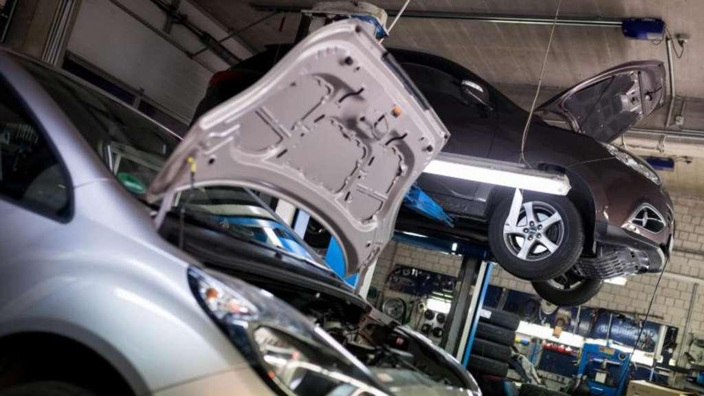Langes Stehen & Mängel: Deshalb fällt in Autos die Elektronik aus | Auto