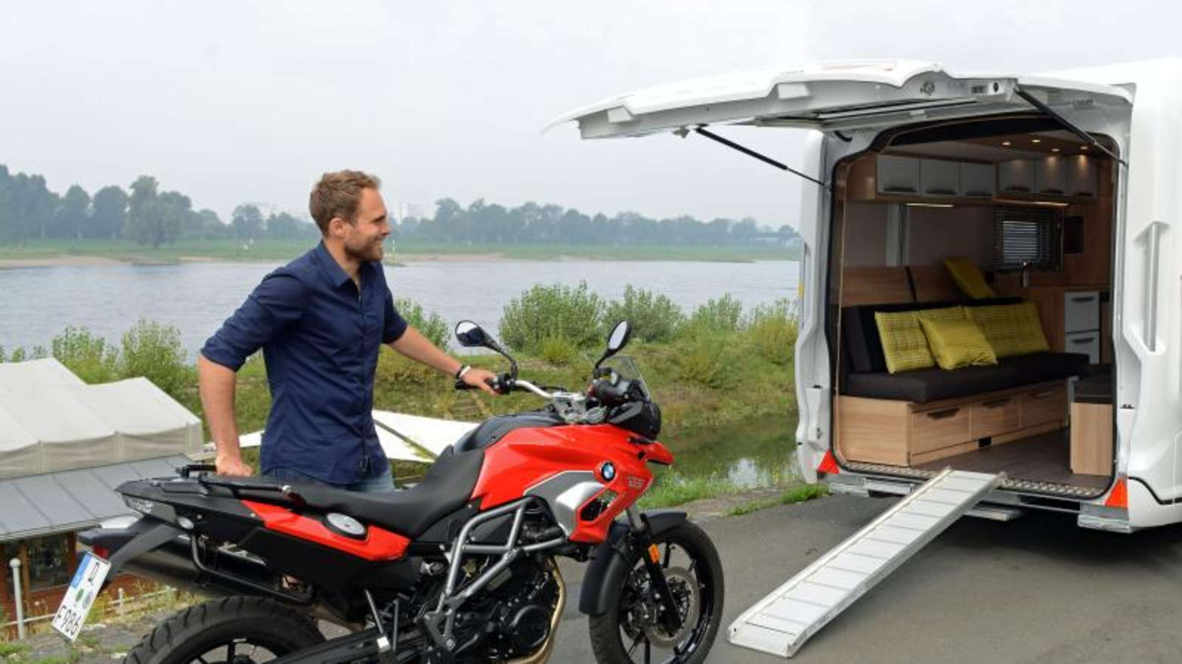 Fahrrad & Motorrad im Wohnmobil mitnehmen? Darauf sollten Sie