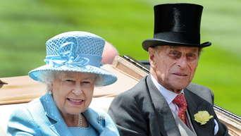 The Crown Queen Elizabeth Ii Regt Sich Uber Szene Der Netflix