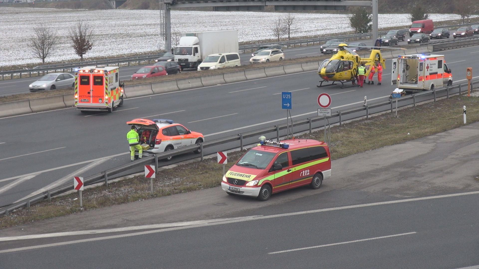 Schrecklicher Unfall Auf Der A9 Polizei Nennt Details Eine Person
