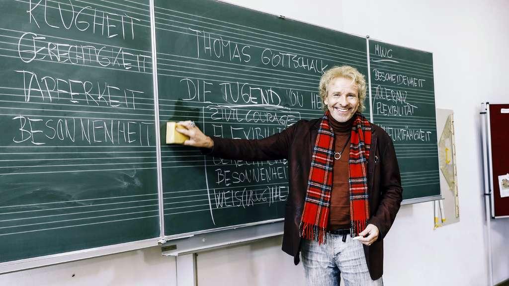 Hat Thomas Gottschalk Neuen Job Moderator Taucht In Klassenzimmer