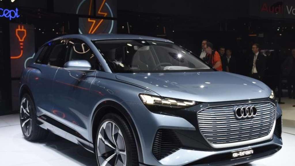 Elektro Suv Von Audi Fährt 450 Kilometer Weit Auto