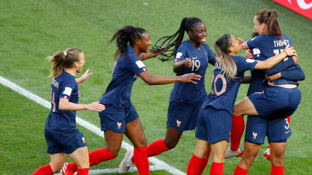 Frauen Fussball Wm Gastgeber Frankreich Mit Traumstart Gegen