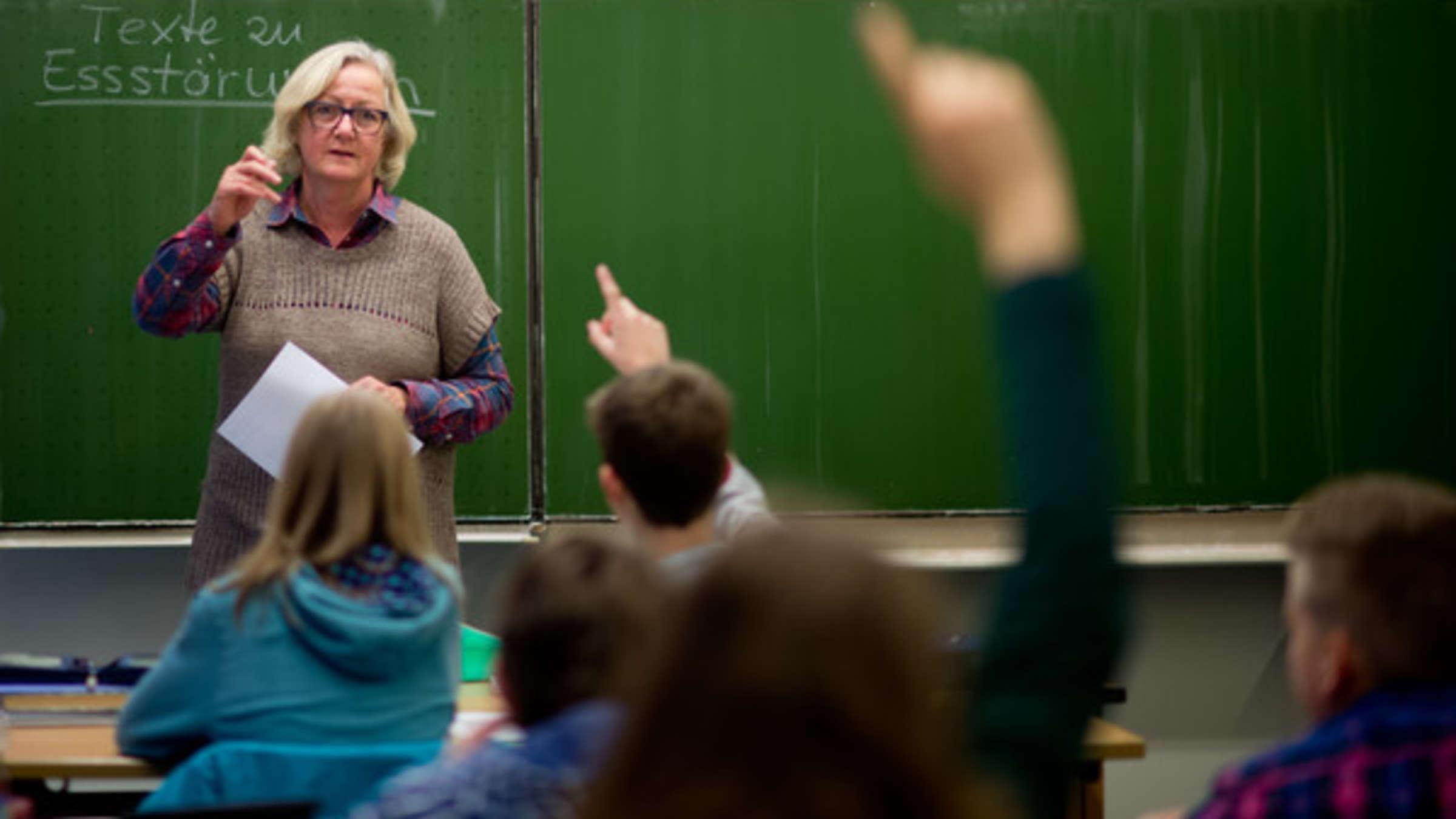 Gehalt Der Lehrer In Usa Neunjähriger Schenkte Seiner Lehrerin Geld Weil Sie Zu Wenig Verdient Karriere