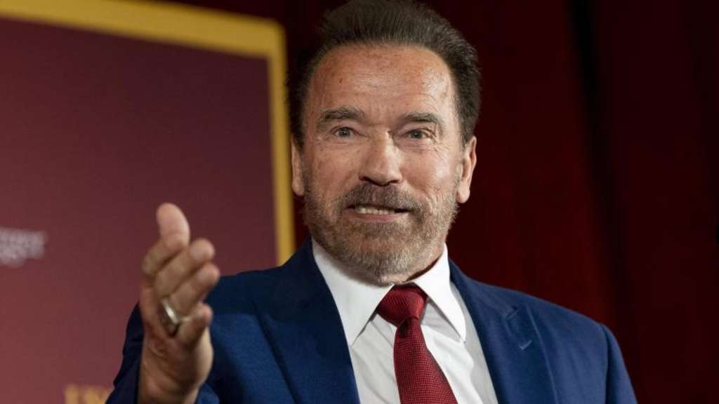 Arnold Schwarzenegger hat jetzt einen Hund namens Dutch. Foto: Paul Bersebach/Orange County Register via ZUMA/dpa