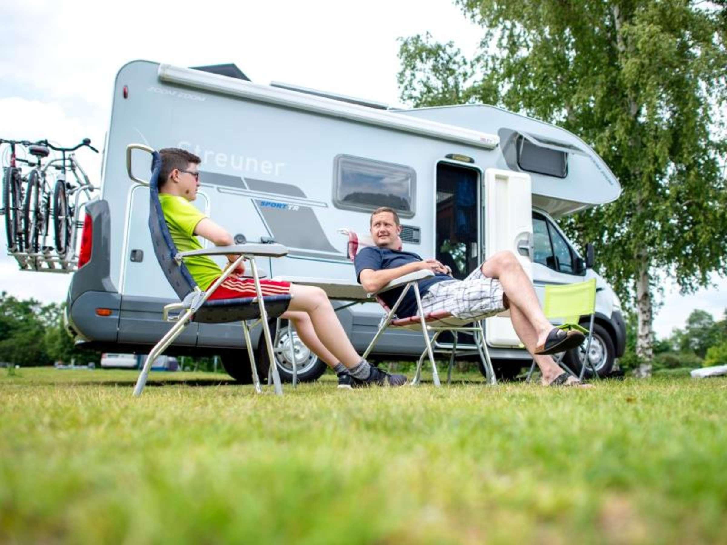 Reisen im Wohnmobil: Darf ich in der Natur campen?  Auto