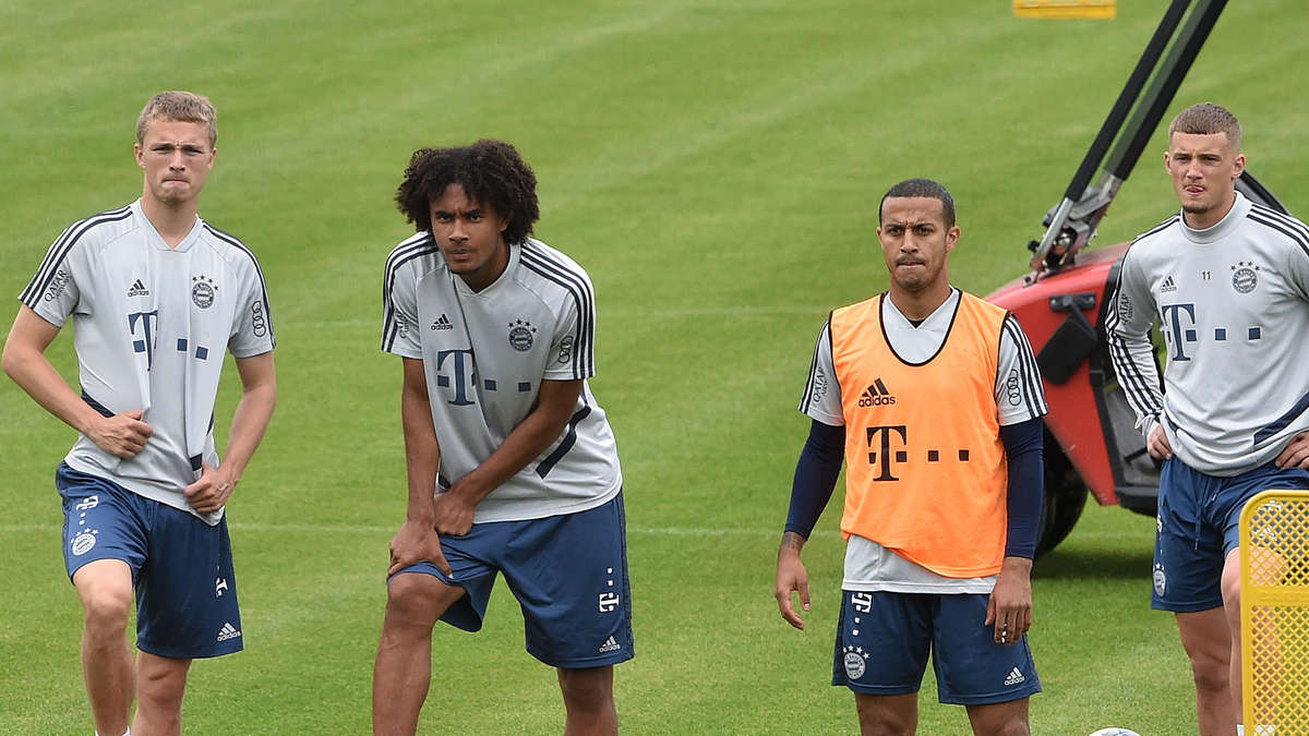 FC Bayern: Er sollte der Lewy-Nachfolger werden! FCB-Youngster verabschiedet...