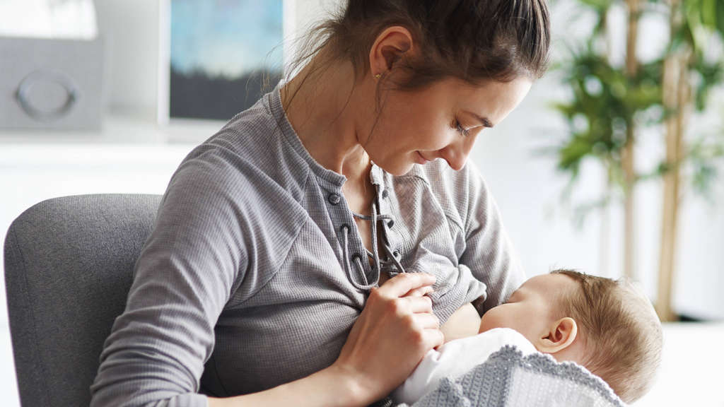 Frau Schlägt Baby