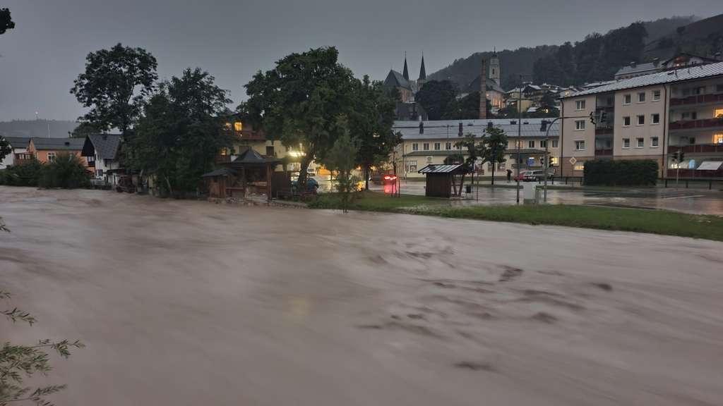 Massive Hochwasser drohen im Berchtesgadener Land und in Traunstein.